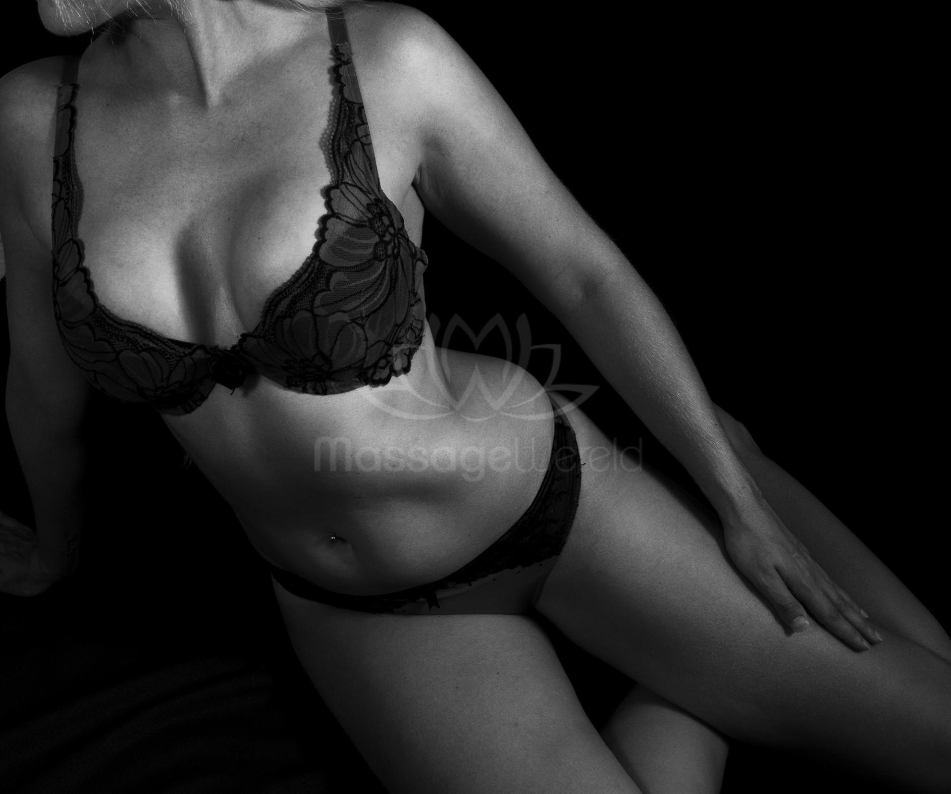 nachtclub massage grote borsten in Nijmegen